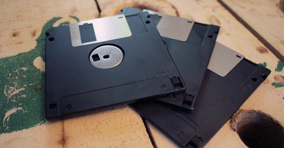 The Slanted: Over 200 Floppy Disks Owned By Star Trek Creator Gene Roddenberry Recovered