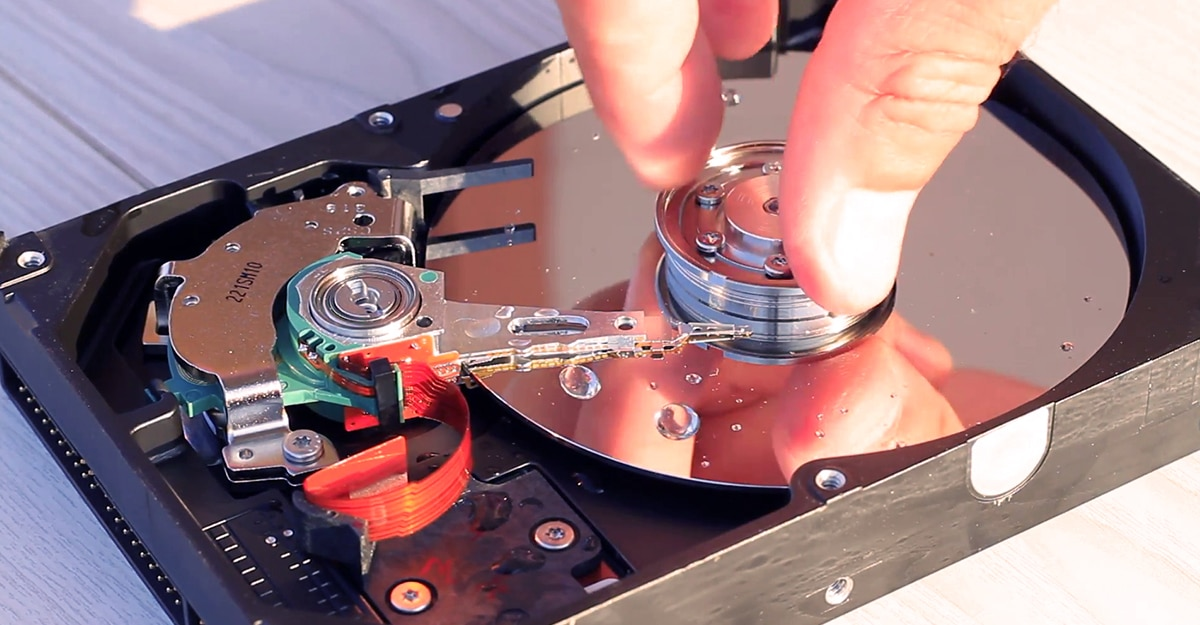 PCWorld: That Old 'Freezer Trick' To Save A Hard Drive Doesn't Work Anymore