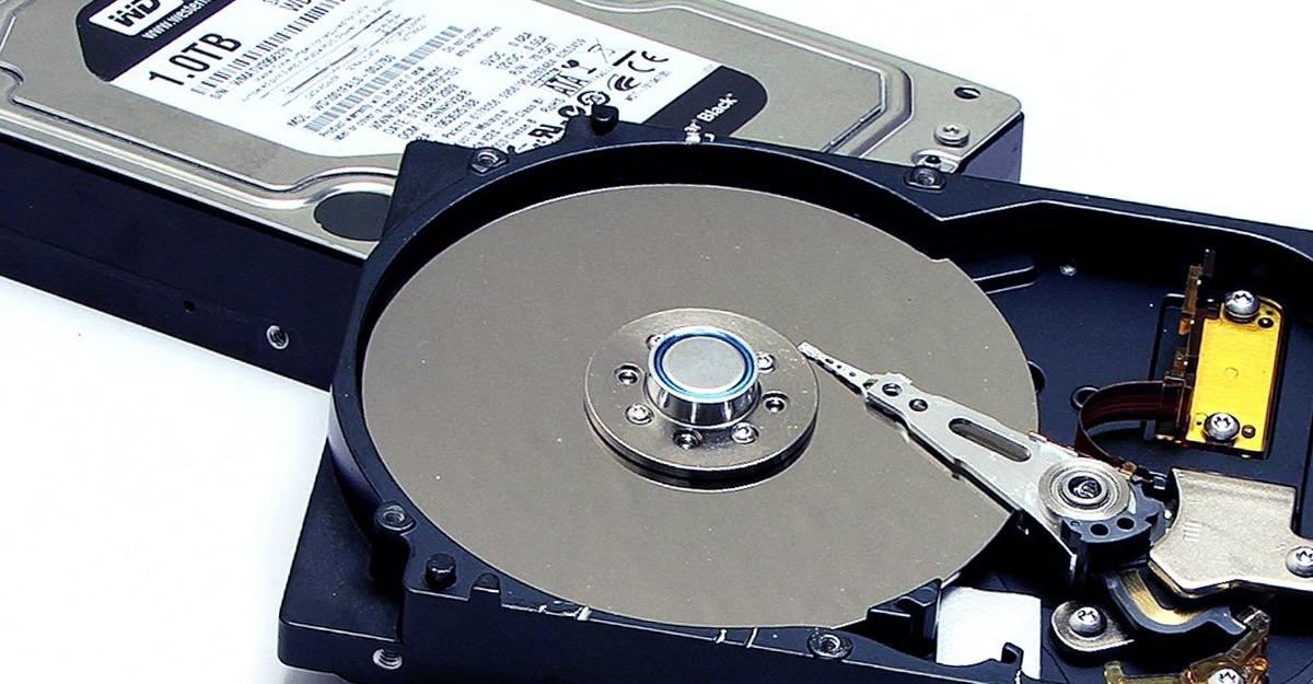 Linus Tech Tips: REAL Tech Repair – Linus Swaps Hard Drive Actuator!