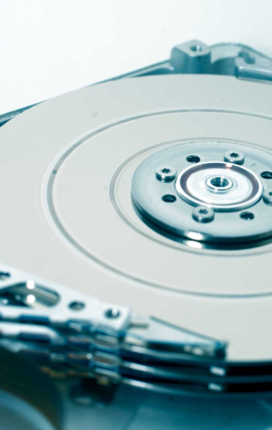 Mechanical failure of an HDD can cause a head crash.